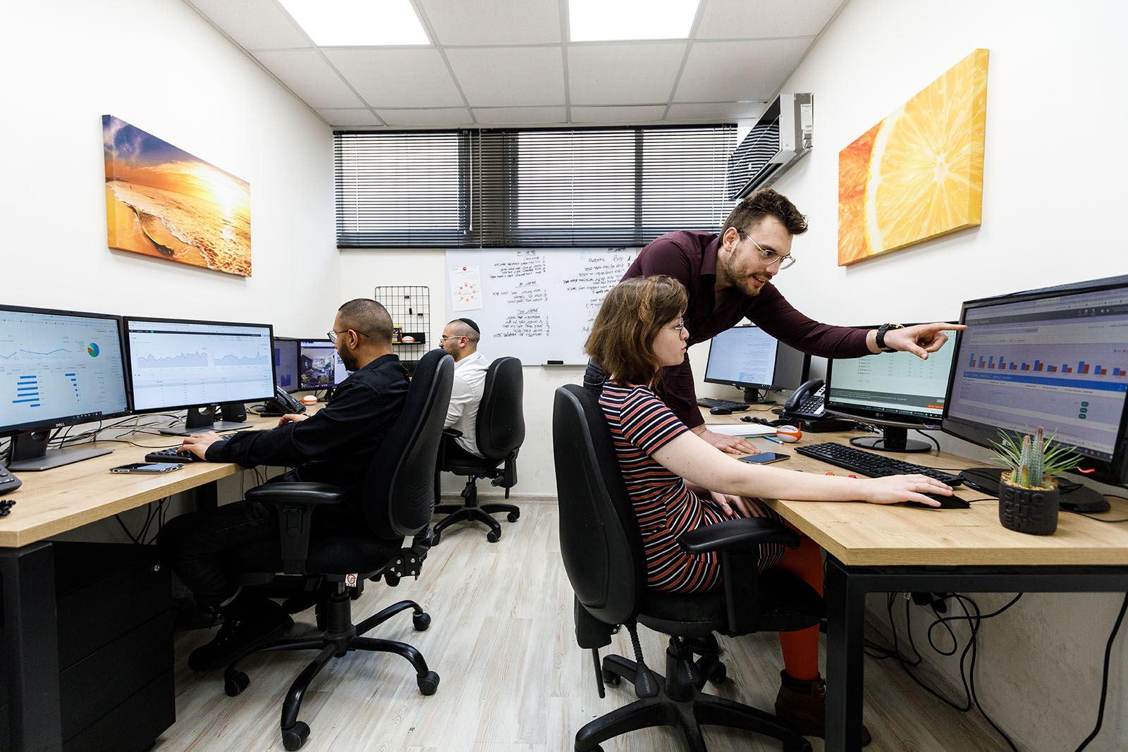 חדר שיווק דיגיטלי בפעולה